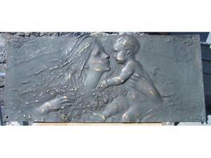 Fusione in bronzo di maternità
