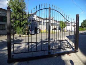 Cancello di 400 x 200 x 270 montato su monoblocco