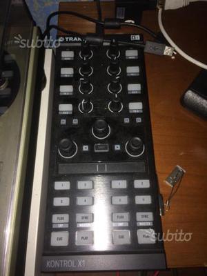 Controller Traktor x1 mk2 con scatolo originale