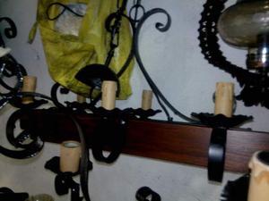 Lampadari in ferro battuto e rustico