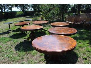 Tavoli in legno noce scuro