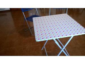 Tavolino e 2 sedie