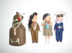 Bambole in divisa da collezione