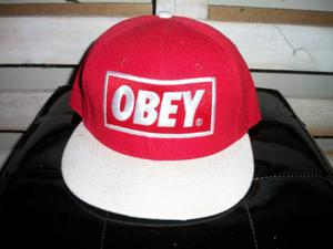 Cappello obey - t-shirt obey 32855b4f92ef
