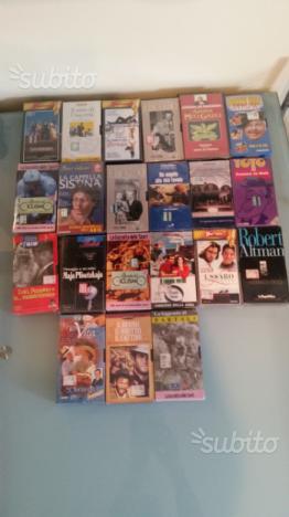 21 film VHS nuovi