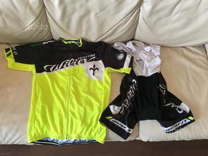 Completo maglietta e pantaloncino da bici wilier
