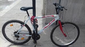 """Mountain bike 26 """" perfettamente funziona"""