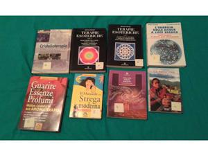 Vari libri su argomenti esoterici