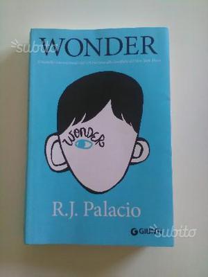 "Libro ""Wonder"" di R. J. Palacio"