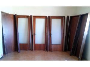 6 porte in noce con telaio e mostrine