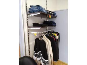 Arredamento per negozio di abbigliamento