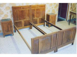 Camera da letto d'epoca in noce massello
