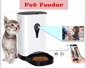 Dosatore cibo+telecamera per animali domestici