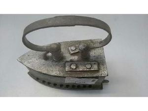 Ferro da stiro vintage metallico