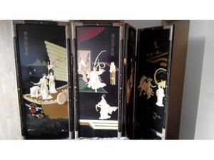 Paravento in legno laccato in nero ed oro, Giappone