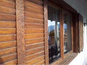Vendo ante finestre in vetro cattedrale posot class for Scuri in legno costo