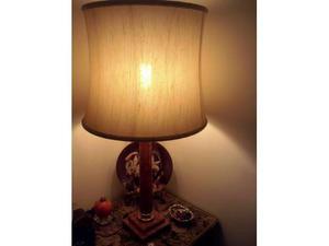 Lampada da camera con base in marmo