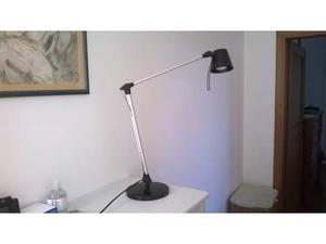 Lampada da scrivania ikea posot class for Ikea lampada scrivania