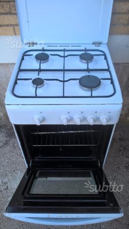 Macchina gas cucina e forno indesit