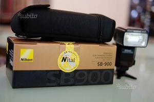 Nikon SB 900