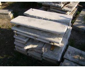 Scalini antichi in pietra