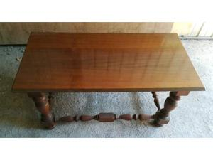 Tavolo basso da salotto in legno massello