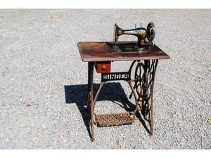 Antica macchina x filare la lana posot class for Vendo macchina da cucire
