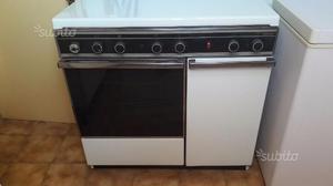 Cucina a gas con la bombola posot class - Bombola gas cucina prezzo ...