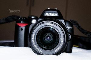 Reflex Digitale. Nikon D40x con obiettivo DX