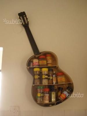Chitarra - scaffale artigianato