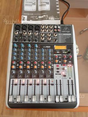 Mixer behringer xenyx qx  usb