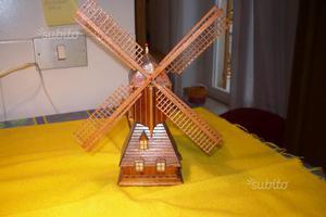 Modellino di mulino a vento