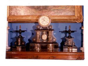 Orologio in marmo nero