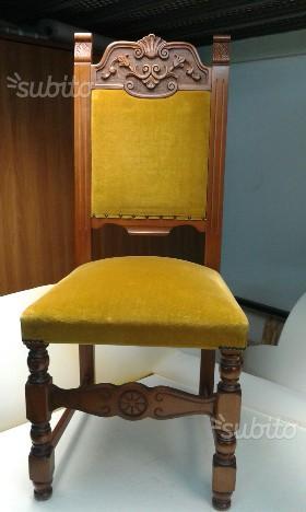 Sedie in legno massello e velluto