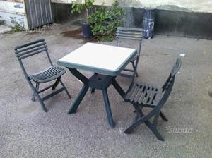 Tavolino con 3 sedie