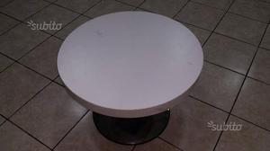 Tavolino in metallo e legno bianco come nuovo E 40