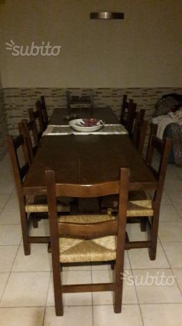 Tavolo da taverna in legno massello