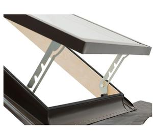Lucernari elettrici su misura per terrazzi posot class for Lucernari per tetti