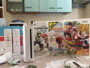 Nintendo Wii più giochi e due pad