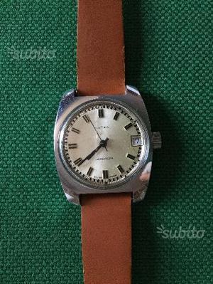 Vecchio orologio carica manuale Arten
