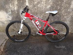 Bicicletta Bianchi Kuma 27,5