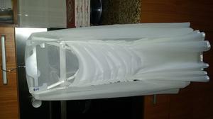 Vestito elegante di colore bianco con copri spalle, usato