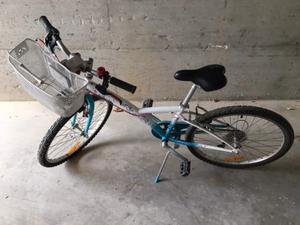 Bicicletta Decathlon da bambina 24' tenuta bene
