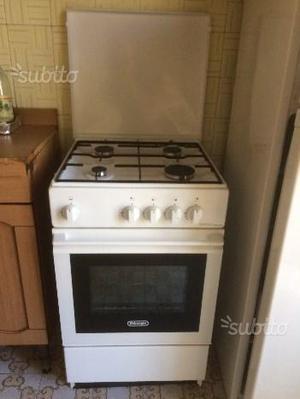 Nuova cucina a gas De Longhi
