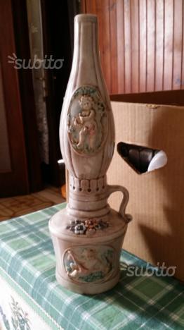 Antica lanterna in ceramica