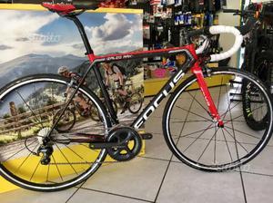 Bici corsa focus izalco max ultegra
