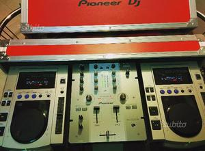 Pioneer CDJ100s + Pioneer DJM250 + Flight case