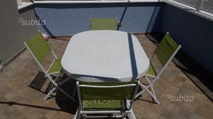 Tavolo da giardino con 4 sedie