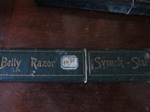 Antico rasoio Betty Razor