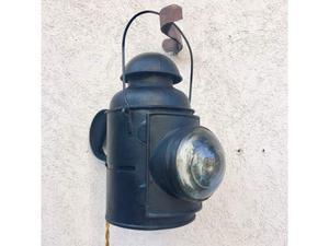 Antica Lanterna Ferroviaria Petrolio Convertita